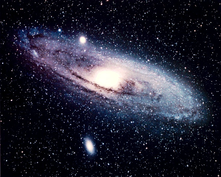 andromeda galaxy,messier 31