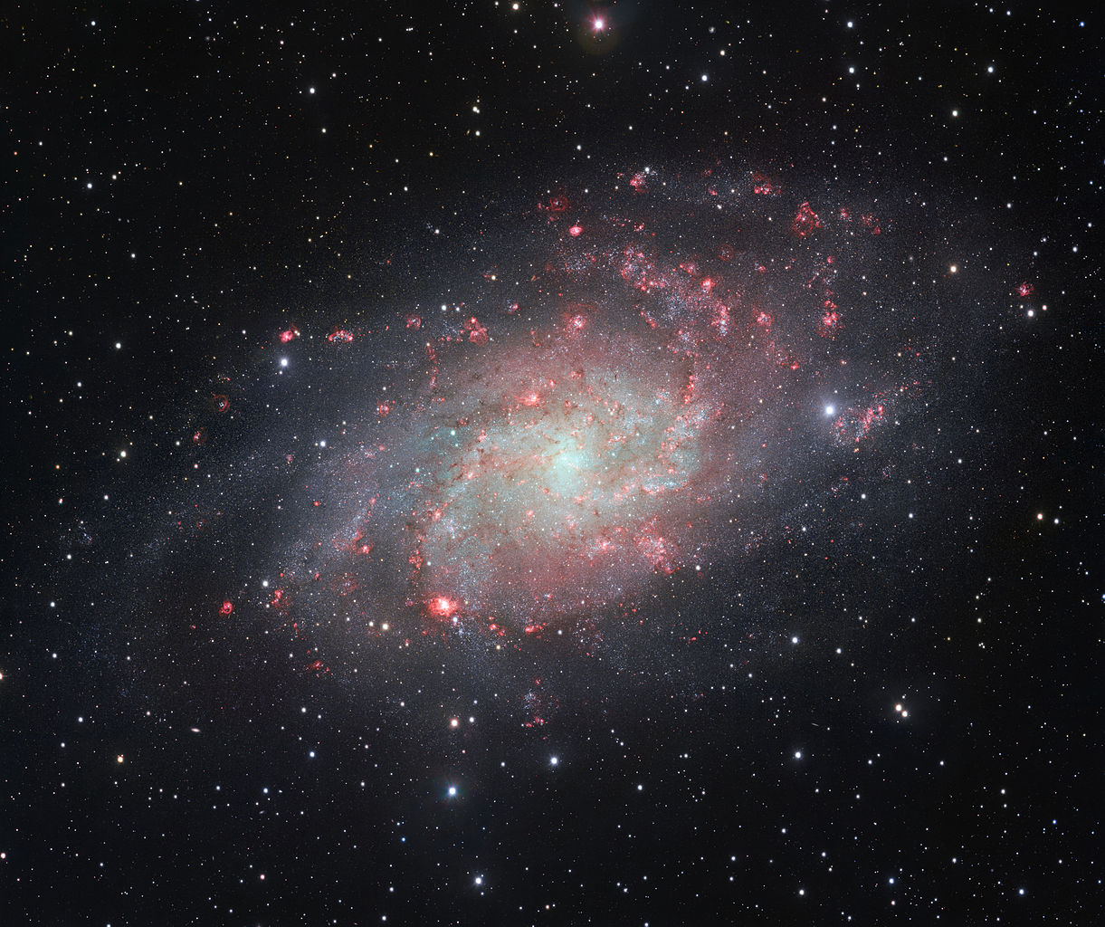 triangulum galaxy,messier 33