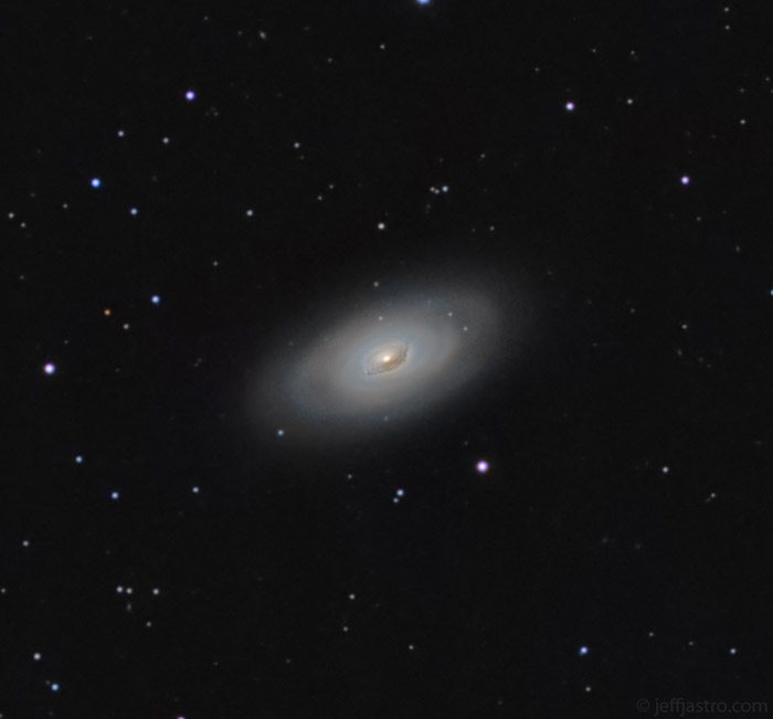 messier 64,m64,evil eye galaxy