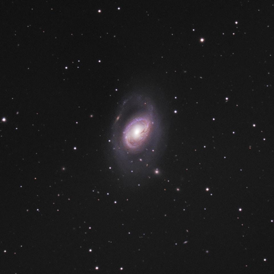 messier 96,m96,spiral galaxy