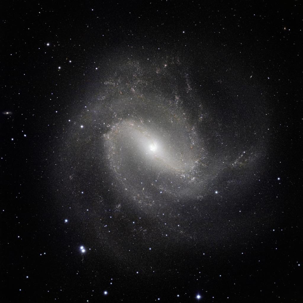 southern pinwheel infrared,m83 galaxy